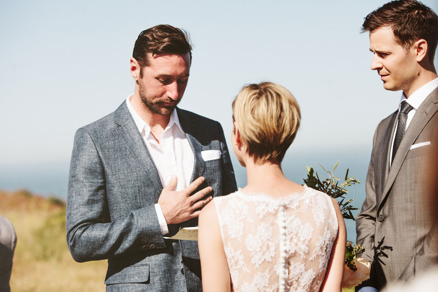 Wedding along the ocean cliffs in the Marin Headlands