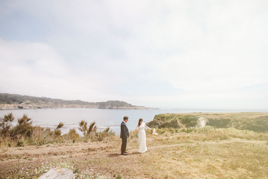 Ocean wedding on the cliffs by Kate Harrison